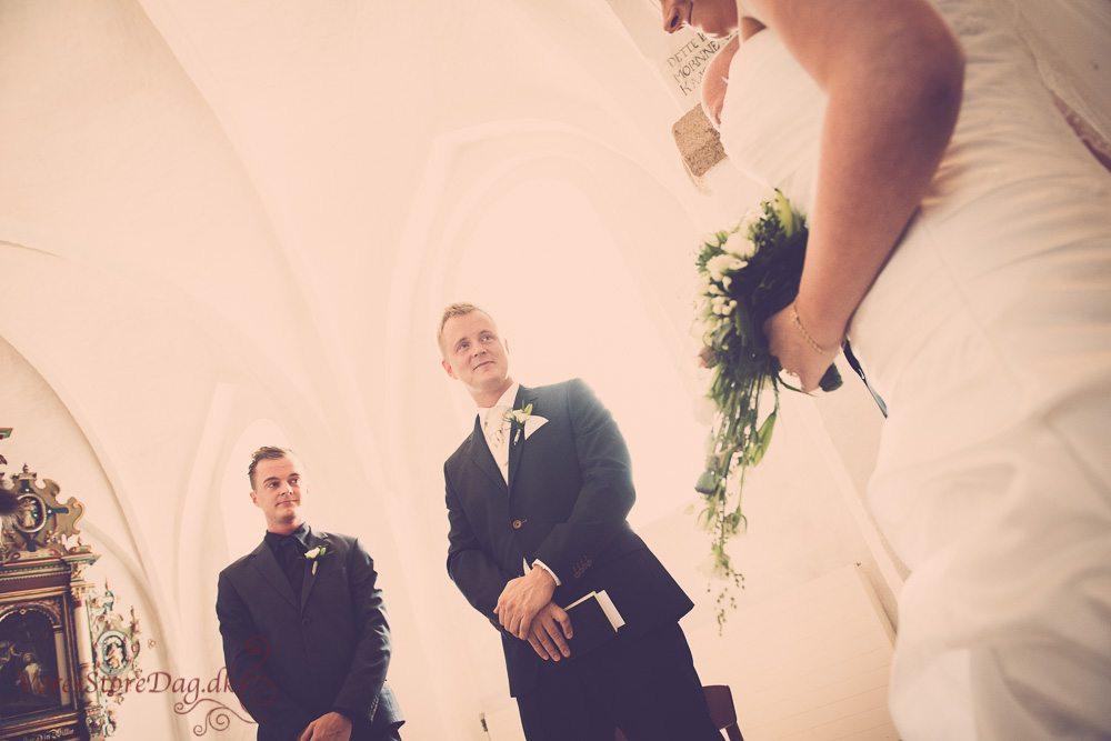 bryllupsfoto-9_Guldager kirke_Esbjerg