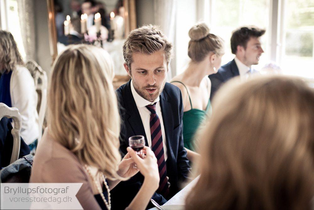 bryllupsgæster hvedholm slot
