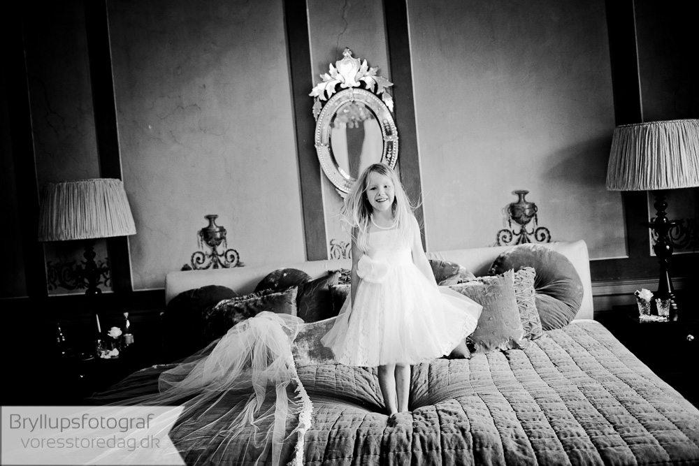 brudepige holckenhavn slot